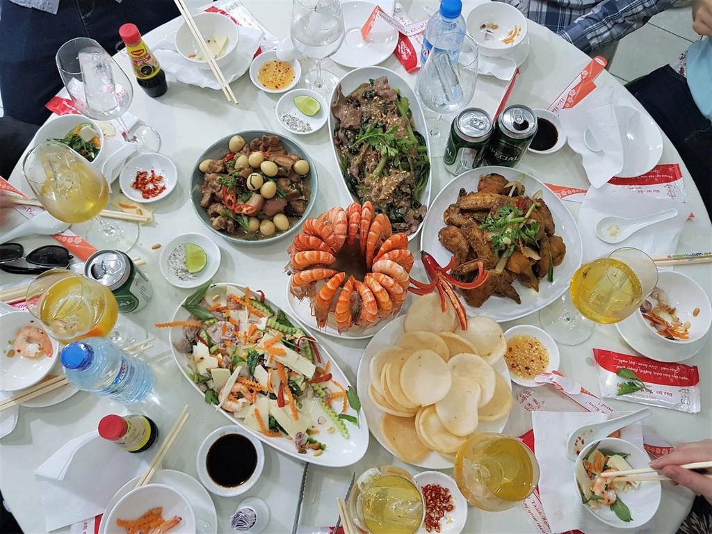 Tiệc bàn tròn
